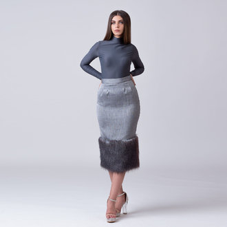 """Textures"" colorless faux fur slim skirt"